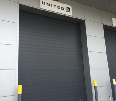 United-Airlines-Signs-768x1024-min (1)